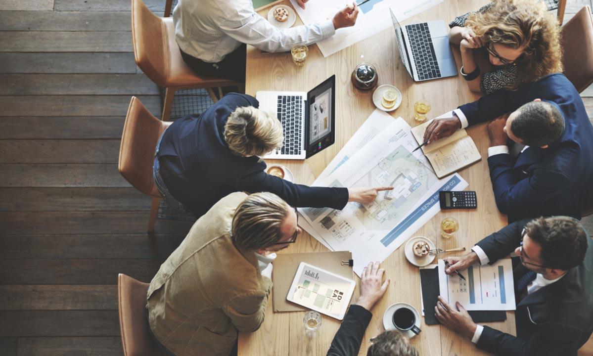 Leren-reorganiseren-de-rol-van-de-ondernemingsraad,-personeelsvertegenwoordiging-en-personeelsvergadering